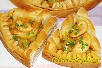 Пирог с квашеной капустой и яблоками