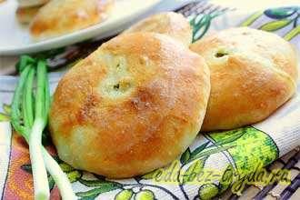 Пирожки с сыром сулугуни, творогом и зеленью