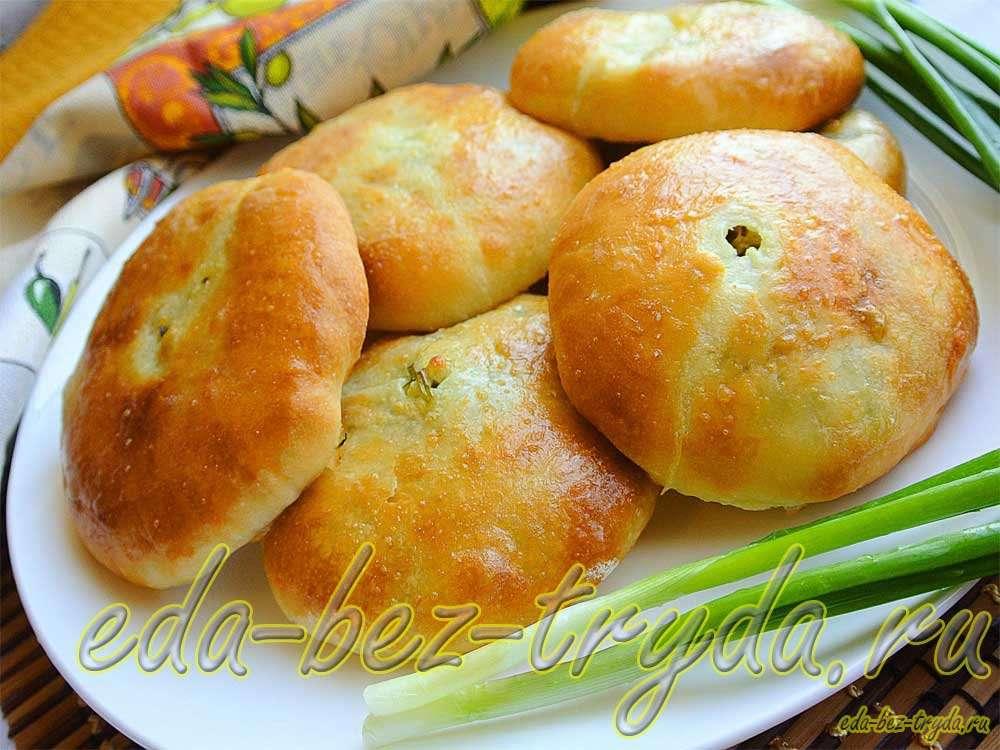 Пирожки с сыром сулугуни, творогом и зеленью рецепт с фото