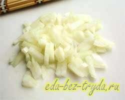 Салат с крабовыми палочками и рисом 4 шаг