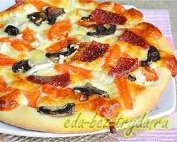 Пицца с салями и шампиньонами 7 шаг