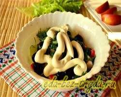 Салат с огурцами крабовыми палочками и яблоком 8 шаг