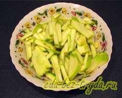 Салат с корневым сельдереем 2 шаг