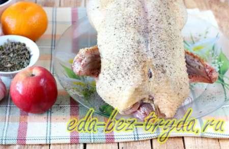 Утка с яблоками в духовке 1 шаг