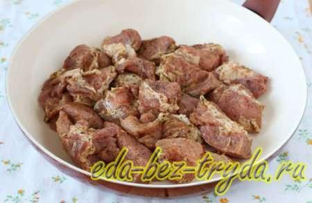 Шашлык на сковороде из свинины 5 шаг