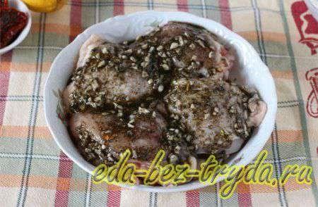 Куриные бедра запеченные в духовке 3 шаг