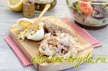 Салат с курицей и сухариками 5 шаг