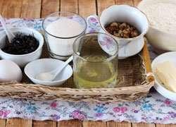 как приготовить Ореховое печенье с безе и смородиной