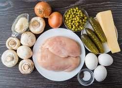 как приготовить Салат из куриного филе и шампиньонов