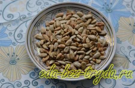 Поджариваю очищенные семена подсолнуха 15 шаг