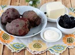 как приготовить Салат из свеклы с брынзой и черносливом