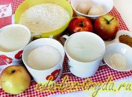 как приготовить Манник с яблоками на кефире