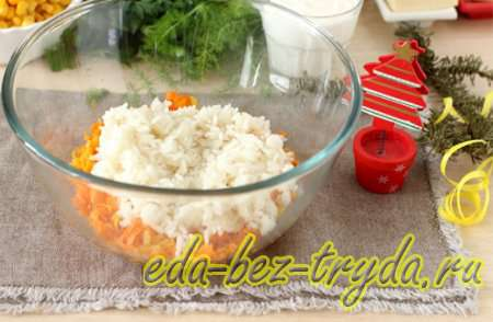 Смешаем лук и морковь с рисом